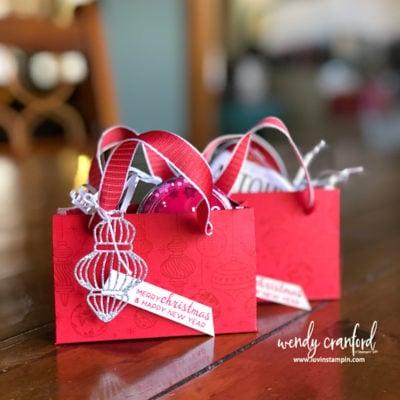 Gift Card Gift Bag feat. Beautiful Bauble Bundle